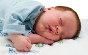 Come aiutare un bimbo ad addormentarsi nel proprio lettino 3 300x188 - Come aiutare un bimbo ad addormentarsi nel proprio lettino
