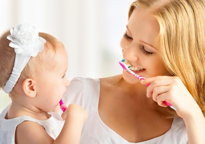 Come insegnare l'igiene orale ai bambini