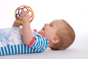 giochibambini.600 300x200 - Primi 12 mesi: le tappe importanti di un bambino
