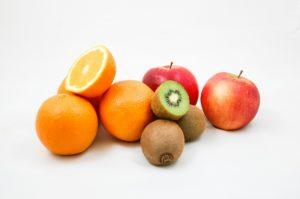 apples 428075 1920 300x199 - Come aumentare le difese immunitarie nei bambini