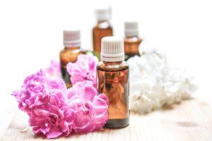essential oils 1851027 1920 300x200 - Naturopatia: competenze del Naturopata