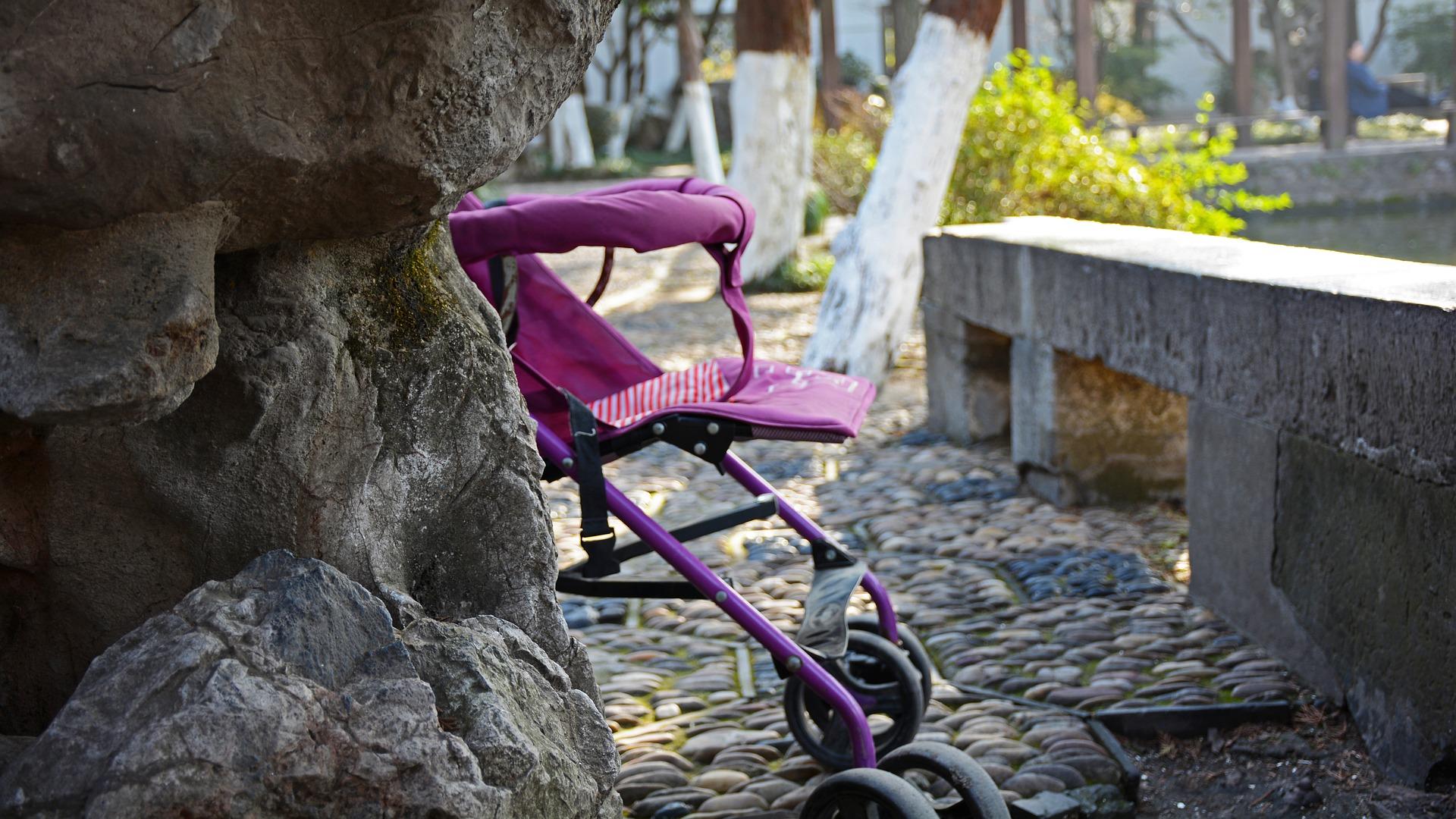 childlike 2421658 1920 - Breve Guida alla scelta del passeggino