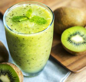 beverage 3741978 1920 300x285 - Estratti di frutta e verdura perché fanno bene ai bambini