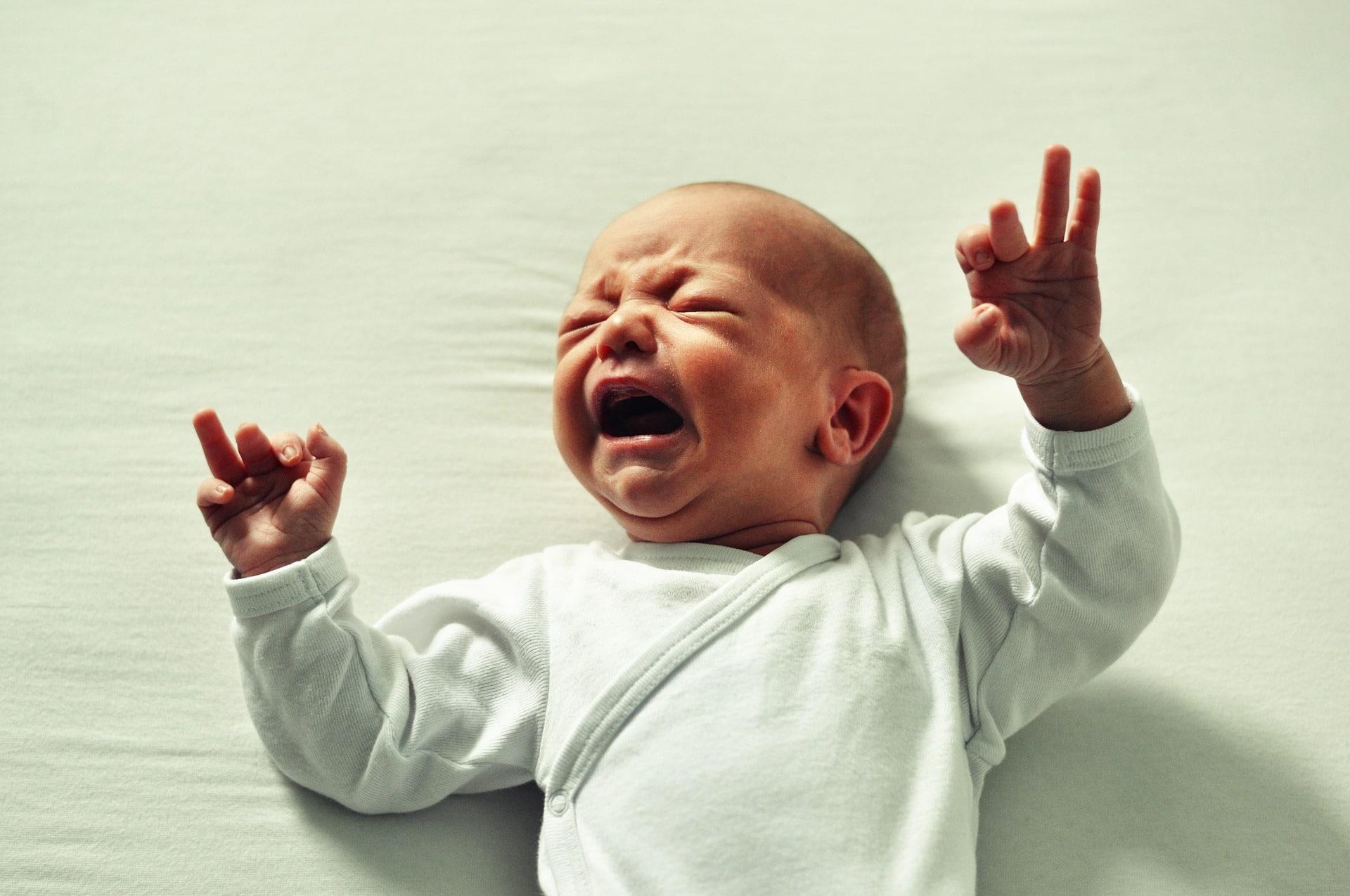 Il pianto del bambino è una forma di linguaggio