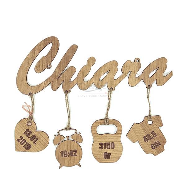 scritta nascita legno personalizzata con nome queekee - Regali con incisioni per ogni occasione