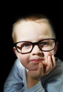 lenti da vista min 204x300 - Quando controllare la vista ai bambini e sostituire le lenti degli occhiali