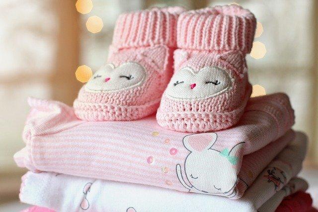 abbigliamento regali neo mamma min - Regali per neo mamma: cosa comprare